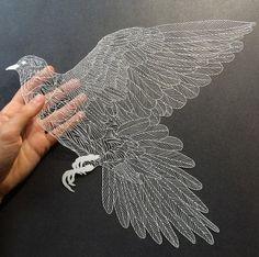 Artiste basée à New York, Maude White crée des illustrations incroyables à partir de papier découpé.