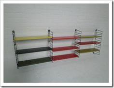 Groot industriële metalen wandsysteem uit de jaren 50/60, merk Tomado.