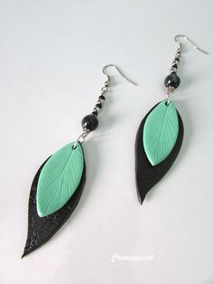 "Delicate polymer clay leaves earrings - Boucles d'oreilles feuilles en porcelaine froide ""Swann"" http://www.alittlemarket.com/boutique/creaconcept-899765.html"