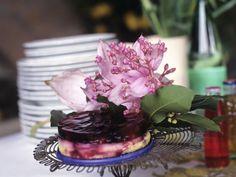 Vanilletörtchen mit Brombeerguss ist ein Rezept mit frischen Zutaten aus der Kategorie Kuchen. Probieren Sie dieses und weitere Rezepte von EAT SMARTER!