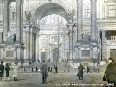Haupteingang des Berliner Doms, Am Lustgarten, 10178 Berlin - Mitte (1940)