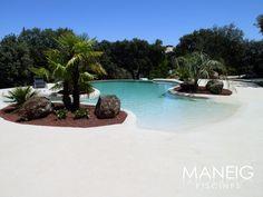 #piscinas #piscinadearena #arena #arenacompacta #playa #playaartificial #paisaje #verano Maneig Piscines