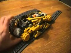Lego Technic - NJA Tank 102 Building instructions exists as pdf file: Lego Technic - NJA Tank 102 - Building Instructions.