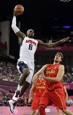 Team USA wins gold, beats Spain in men's hoops Team Usa Basketball, Olympic Basketball, Basketball Skills, Basketball Funny, Most Popular Sports, High School Years, Share Online, King James, Olympians