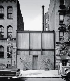philip johnson  rockefeller guest house . new york city