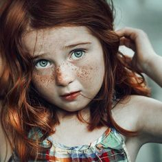 "1,383 Me gusta, 30 comentarios - Momtogs (@momtogs) en Instagram: ""✨There are so many little details here that immediately caught my eye. That red hair, those…"""