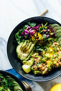 The ultimate Buddha bowl recipe, featuring cooked brown rice, steamed and raw veggies, avocado and an addictive carrot-ginger sauce. #vegan #vegetarian