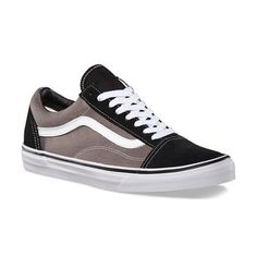 Shop Old Skool Shoes vandaag op Vans. The official Vans online store. Vans Old Skool, Old Skool Black, Black Canvas Shoes, Black Lace Shoes, Black Leather Shoes, Lace Sneakers, Retro Sneakers, Leather Sneakers, Canvas Sneakers