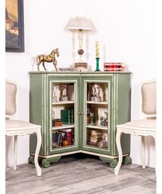[New] The 10 Best Home Decor Today (with Pictures) Deco Design, Home Interior, Interiores Design, China Cabinet, Liquor Cabinet, Home Goods, Bookcase, Shelves, Storage