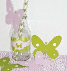 paper straws -  Sweet Butterfly Table / Summerparty  http://kukuwaja.blogspot.de/2012/08/sweet-butterfly-party-hallo-sponsor.html