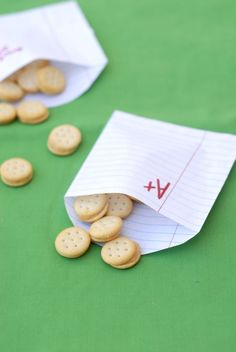 DIY snack bags using lined notebook paper | Hellobee