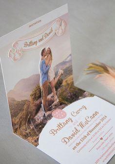 แนวโน้มของปีนี้เต็มไปด้วยความพิเศษ ตั้งแต่การ์ดแบบป็อปอัพ ไลน์เนอร์ซองสวยเก๋ ไปจนถึงการ์ดแต่งงานสไตล์มินิมัลสุดฮอตฮิต
