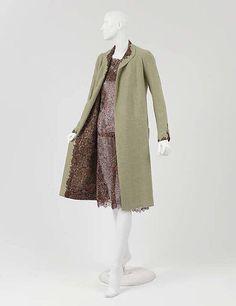 Ensemble 1929 House of Chanel Silk, wool 3/4 view - left side, coat open 5