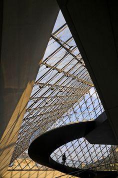 IEOH MING PEI #The Louvre Pyramid #Cour Napoléon Louvre Palace Paris