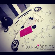 Total Black ✔️   per info: info@daniadesign.it  #bracciale #braccialemezzicristalli #bracelet #accessori #accessories #handmade #fattoamano #madeinitaly #creazioni #creations #handmadecreations #bijoux #mezzicristalli #fashion #style #black #totalblack #love #cuoriplexiglass #amore #loveyou #cuorineri
