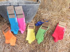 Calcetines de colores en el campo / color socks in the country.