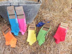 Calcetines de colores en el campo / color socks in the country.