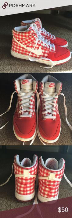 Red plaid women's Nike sneakers 7.5 These are probably the cutest nikes you've ever seen right!? I just never wear these. In amazing condition basically new. Fits true to size. Nike Shoes Sneakers