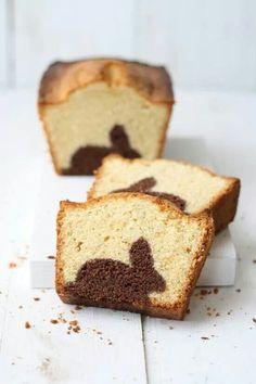 Bizcocho.  bunny rabbit figure incorporated in cake