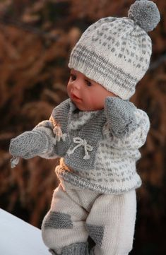 http://www.doll-knitting-patterns.com/images/0083D-baby-born-knitting-pattern-24.jpg