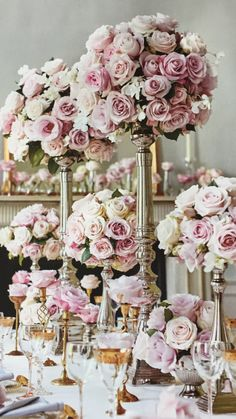 Pink roses table flowers