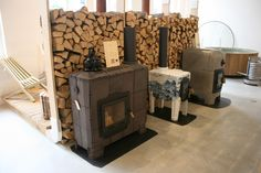 Cooking stoves for wood, made of concrete, steel and tiles (cookstove, tilestove, stonestove). By Dutch company Weltevree, designed by Dick van Hoff. Cooking Stove, Range Cooker, Rocket Stoves, Maker, New Home Designs, Fireplace Design, Country Kitchen, Firewood, Greenhouses