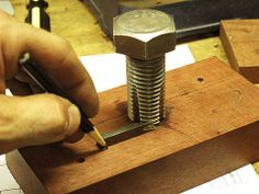 Shop-made Thread Cutting Tools for Wood by Diego de Assis