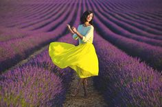 Gary Pepper Girl aka Nicole Warne in France Gary Pepper Girl, Mellow Yellow, Purple Yellow, Yellow Accents, Color Yellow, Spring Look, Chasing Unicorns, Nicole Warne, Inspiration Artistique