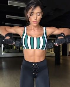 Tone flabby arms with this muscle building upper body workout routine with dumbbells. Fitness Workouts, Gym Workout Videos, Fitness Workout For Women, Body Fitness, At Home Workouts, Fitness Tips, Fitness Motivation, Gym Body, Workout Tips