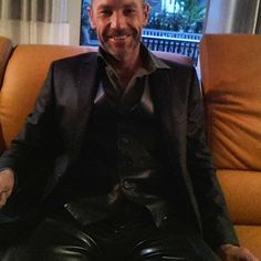 fashion as I like it #Anzug #einreiher #dressman #motivation #Weste #vest #leatherpants #gay #gaymen #gay #leathersuit #businesssuit #erfolg #success #suit #men #Männer #Mode #fetishmodel #rubbermen #suits #pride #fetisch #Latexhose #gummi #Latexhose #rubber #rubberpants #career #Karriere #Boss #fame