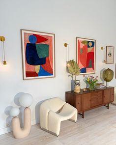 Minimalist Home Interior .Minimalist Home Interior Modern Interior, Home Interior Design, Interior And Exterior, Interior Colors, Interior Livingroom, Midcentury Modern, Room Inspiration, Interior Inspiration, Apartment Decoration