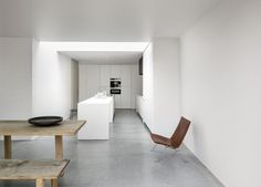 'Minimal Interior Design Inspiration' is a weekly showcase of some of the most perfectly minimal interior design examples that we've found around the web - all Minimalist Architecture, Minimalist Interior, Minimalist Design, Interior Architecture, Modern Design, Interior Design Examples, Interior Design Kitchen, Interior Design Inspiration, Design Studio