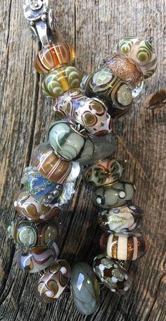 Trollbeads Armband, Troll Beads, Pandora Beads, Lampworking, Jewelry Companies, Lampwork Beads, Bracelet Designs, Glass Beads, Jewelry Design
