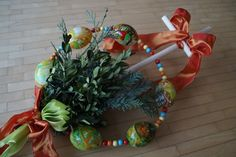 In Southern Germany they celebrate Palm Sunday in Germany with a procession and Palmbuschen. Giant bouquets of Pussy Willow, other green plants, and ribbon. Hazelnut Tree, Making A Bouquet, Crown Of Thorns, Palm Sunday, The Donkey, Green Plants, Spring Flowers, Free Images, Christmas Wreaths