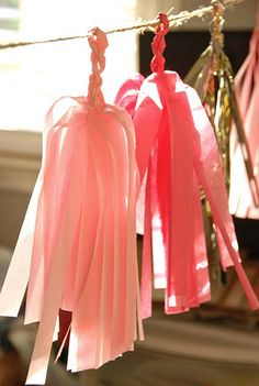 how to make tassel garlands. alternate here: http://prudentbaby.com/2011/07/prudent-home/how-to-make-a-fabric-tassel-garland-no-sew-2/