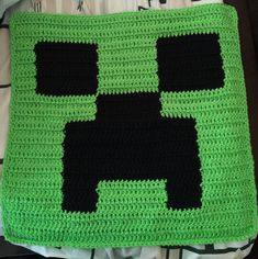 Minecraft crochet pillow top X 16 inches Minecraft ®/TM & © Mojang / Notch - This item is NOT associated or endorsed by Minecraft or Mojang in. Crochet Pillow Pattern, Crochet Cushions, Crochet Stitches Patterns, Crochet Motif, Knit Crochet, Knitting Patterns, Minecraft Crochet Patterns, Minecraft Pattern, Minecraft Blanket