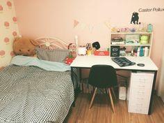 내방...! 벽지 왜 핑크했지...ㅠㅠ 모던하게 바꾸고싶다..@.@