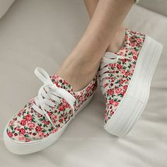 Buy 'FM Shoes – Canvas Floral Platform Sneakers' with Free International Shipping at YesStyle.com. Browse and shop for thousands of Asian fashion items from Taiwan and more!