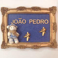 Instagram media babydeluxeenxovais - ✈️O pequeno aviador João Pedro está chegando... Muitas felicidades mamãe @lolymachado e obrigada pelo carinho!!! ✈️ #babydeluxe#babyboy#portamaternidade#quartoinfantil#decoração#quadro#decor#mãedemenino