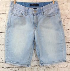LEVI'S 525 Light Wash Jean Shorts Sz 8 'Perfect Waist' Bermuda Walking Mid Rise #Levis #BermudaWalking