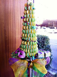 Miss M's Girls Trip / karen cox / New Orleans, Mardi Gras. King Cake macaroon tower at Sucre! // this is AMAZING! And now I want a macaroon. Mardi Gras Beads, Mardi Gras Party, Gelato, Macaroon Tower, New Orleans Mardi Gras, Masquerade Party, Macaron Cake, Macarons, Holiday Parties