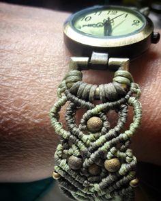 Woven Bracelets, Macrame Projects, Pocket Watch, Knots, Bracelet Watch, Weaving, Handmade, Accessories, Jewelry