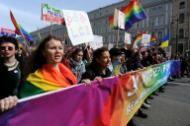 Parada do Orgulho Gay é proibida em Moscou https://br.noticias.yahoo.com/parada-orgulho-gay-%C3%A9-proibida-moscou-210600722.html?linkId=14420702&linkId=14443667