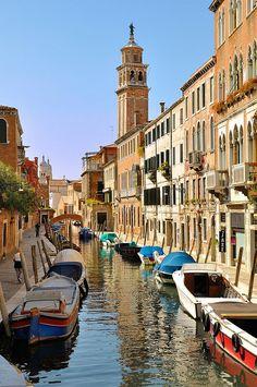 Venice ; Fondamenta Alberti / Rio de San Barnaba / Fondamenta Gherardini