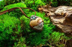 Talisman Coeur de la Nature, lithothérapie, pierre naturelle de Jaspe polychrome polie en forme de coeur et perle d'aventurine verte