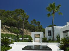So much about Can Nemo typifies the so-called 'Ibiza style' – if such a style ever exists. From the white washed walls of the house to the external living space pictured here, this project by Blakstad Design Consultants pays homage to a way of life. Spanish Garden, Ibiza Fashion, Design Consultant, Architect Design, Luxury Villa, Water Features, Beautiful Homes, Living Spaces, Ibiza Style