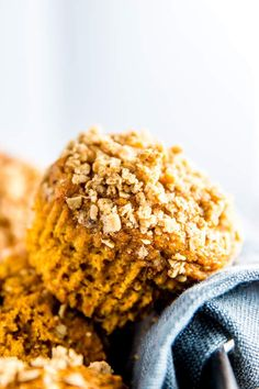 The Best Healthy Pumpkin Muffins. Cozy up for fall and treat your family to these healthy pumpkin muffins. They really are the best and use an entire can of pumpkin. Brunch Recipes, Gourmet Recipes, Breakfast Recipes, Dessert Recipes, Muffin Recipes, Breakfast Muffins, Fall Desserts, Breakfast Time, Baking Recipes