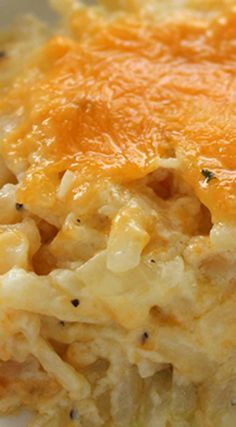 Homemade CopyCat Cracker Barrel Hashbrown Casserole ~ So cheesy and so easy to m. - - Homemade CopyCat Cracker Barrel Hashbrown Casserole ~ So cheesy and so easy to make. Great for breakfast or even a dinner side - Plus they are perfe. Side Dish Recipes, Great Recipes, Favorite Recipes, Recipes For A Crowd, Easy Dinner Recipes, Crock Pot Breakfast Recipes, Meals For A Crowd, Quick And Easy Recipes, Easy Meals For Dinner