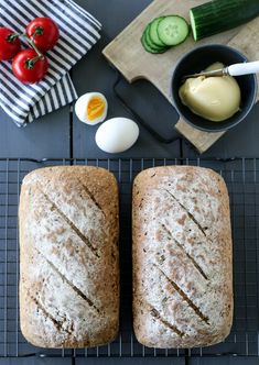 simple whole-grain breads A Food, Food And Drink, Savoury Baking, Our Daily Bread, Whole Grain Bread, Grains, Cheese, Dining, Breakfast