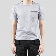(トム ブラウン) THOM BROWNE 15SS トリコーロ 3LINE ポケットTシャツ_クレーMJS010... http://www.amazon.co.jp/dp/B01GC9P41W/ref=cm_sw_r_pi_dp_k6Nvxb1Q7SG85
